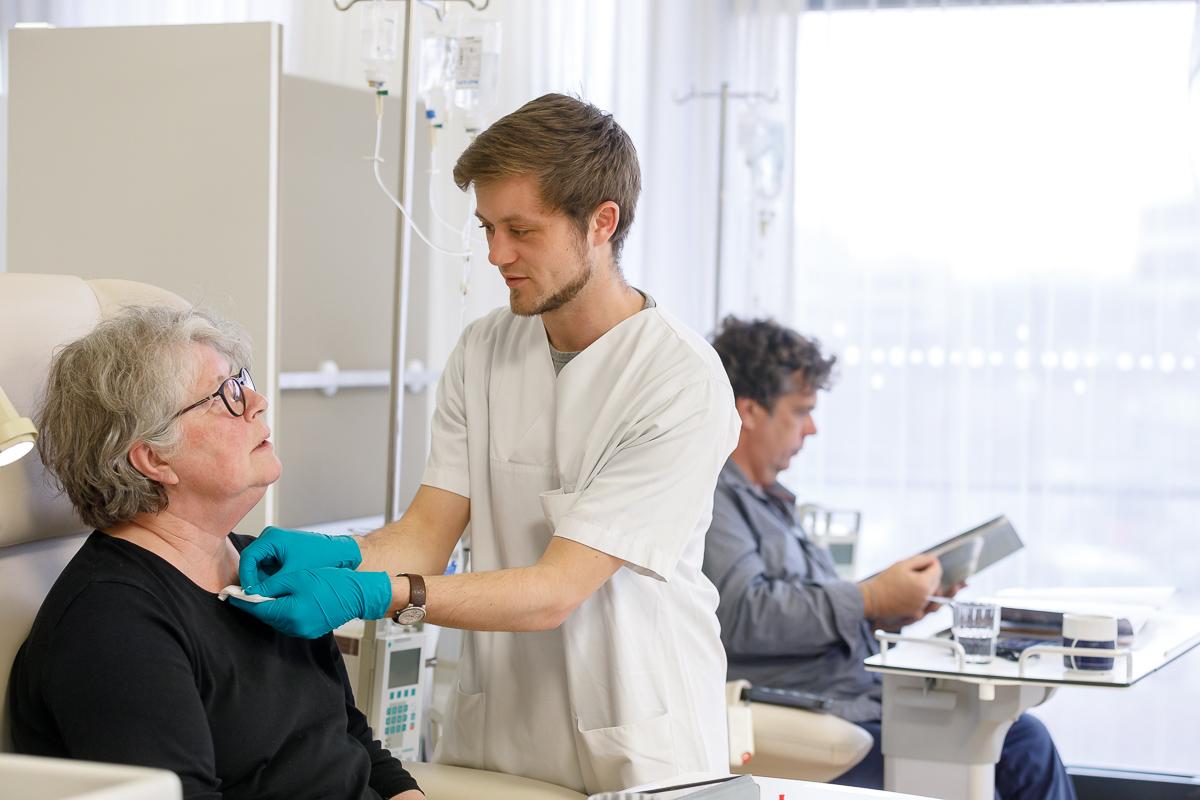 Schön Krankenschwester Nimmt Vorlagen Wieder Auf Bilder - Entry ...